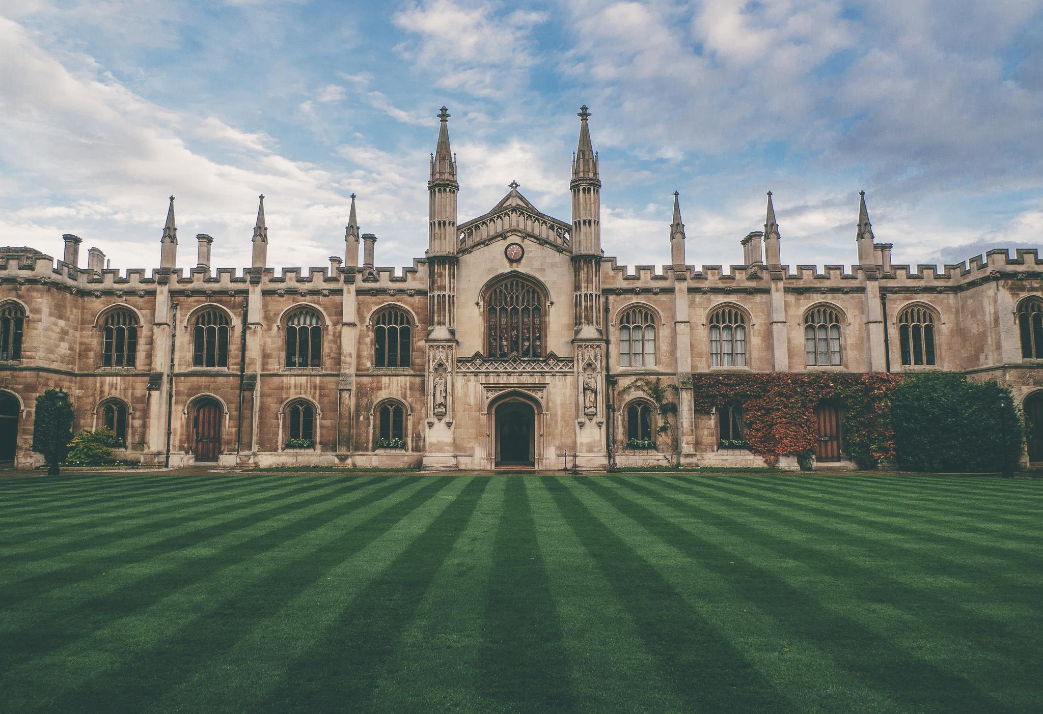 顶尖院校毕业生为什么大多都选择出国留学?