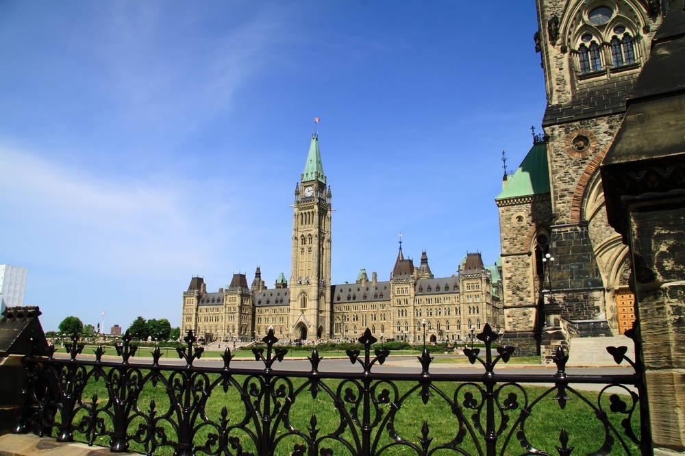 加拿大留学费用及生活费详解