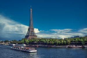 法国留学一年多少钱?费用详细指南