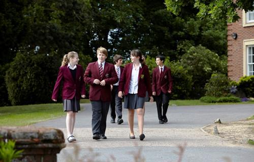 高中去英国留学要考雅思吗?