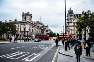 去英国留学选学校需要考虑哪些方面?