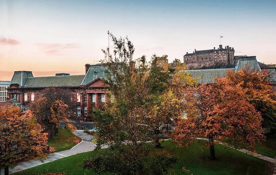 爱丁堡大学留学申请条件