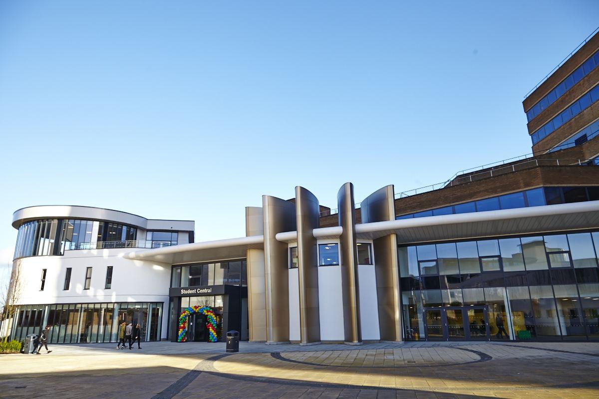 英国哈德斯菲尔德大学留学申请条件